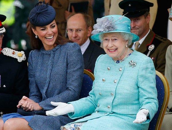 С королевой Елизаветой II