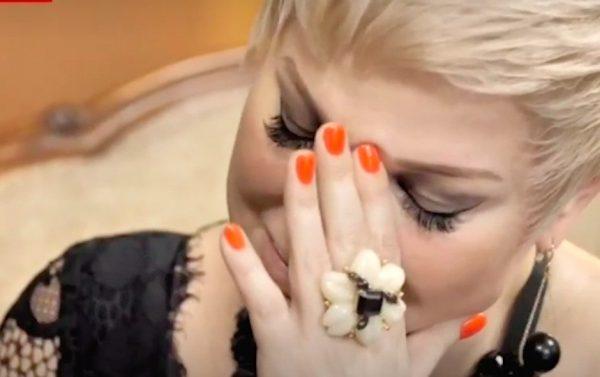 Мария Максакова не сдержала слез во время интервью