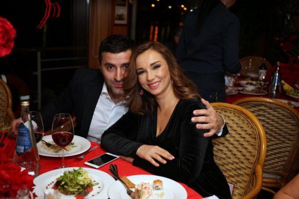 Известная телеведущая не собирается разводится со своим мужем
