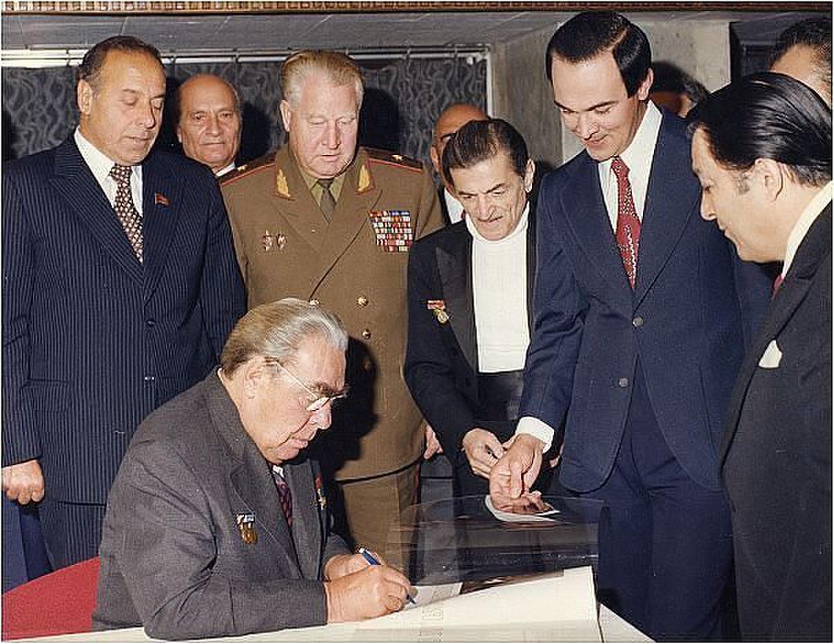 Муслим Магомаев С советскими руководителями того времени