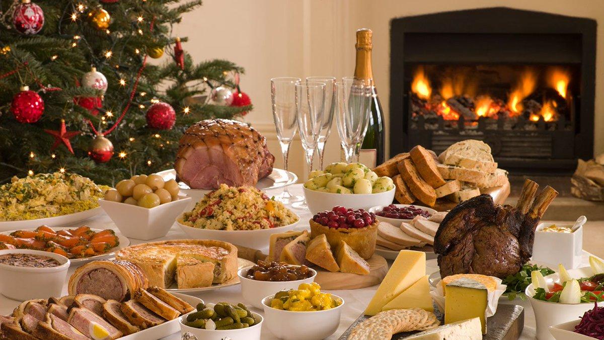 Новогоднее изобилие блюд - одна из наших вековых традиций