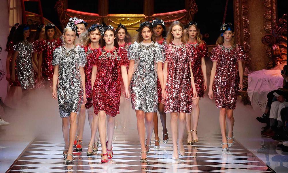 Варианты вечерних платьев для юных особ