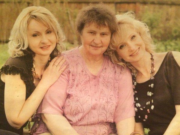 Ольга Прокофьева с семьей