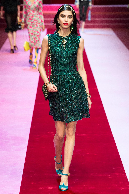 Мировые показы моды демонстрируют торжество современной дизайнерской мысли