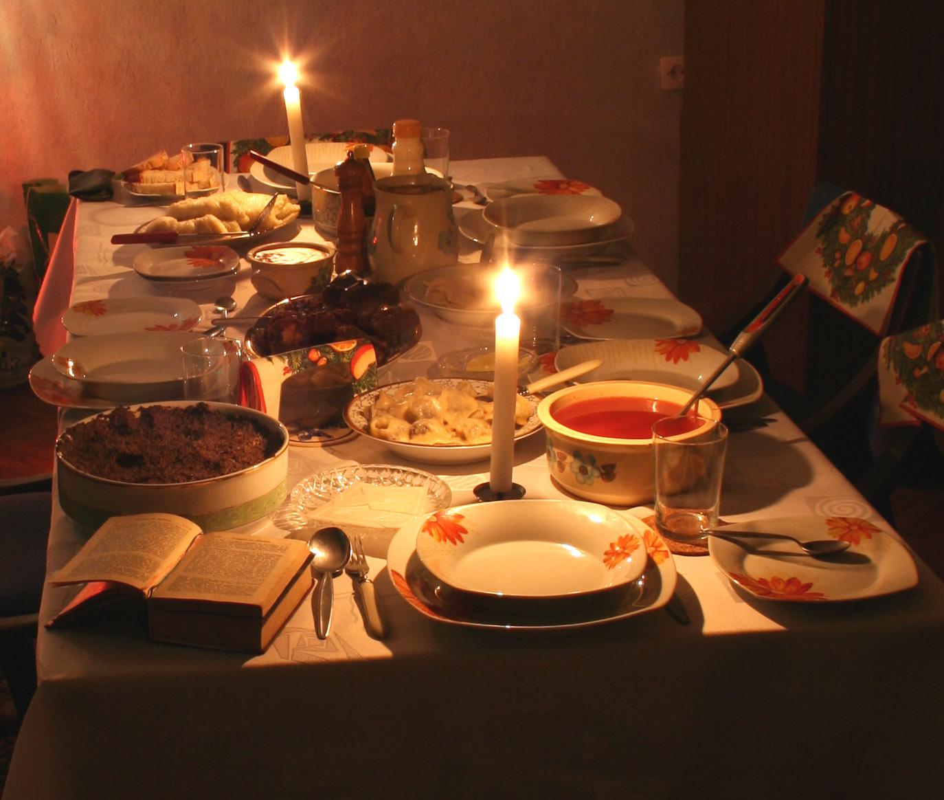 Необходимо в дни Рождественского поста создать правильную, одухотворенную атмосферу за семейной трапезой
