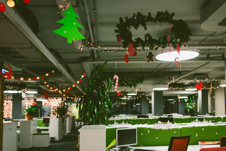 Украшение офиса в зеленом монотоне