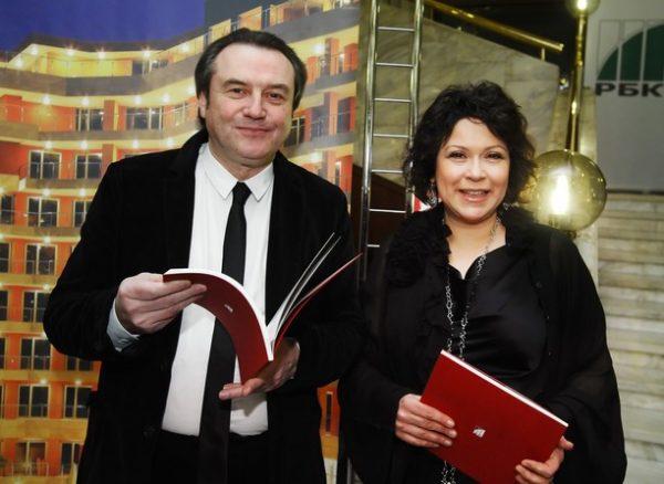 Алексей со своей женой Кирой Саксаганской