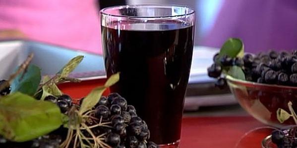 Вкусный компот из черноплодной рябины