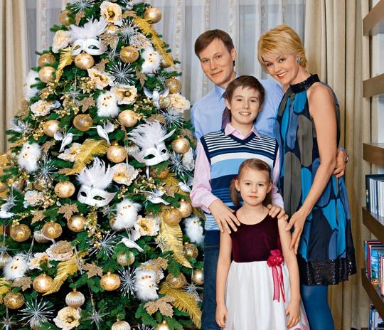 Игорь Гордин с женой и детьми