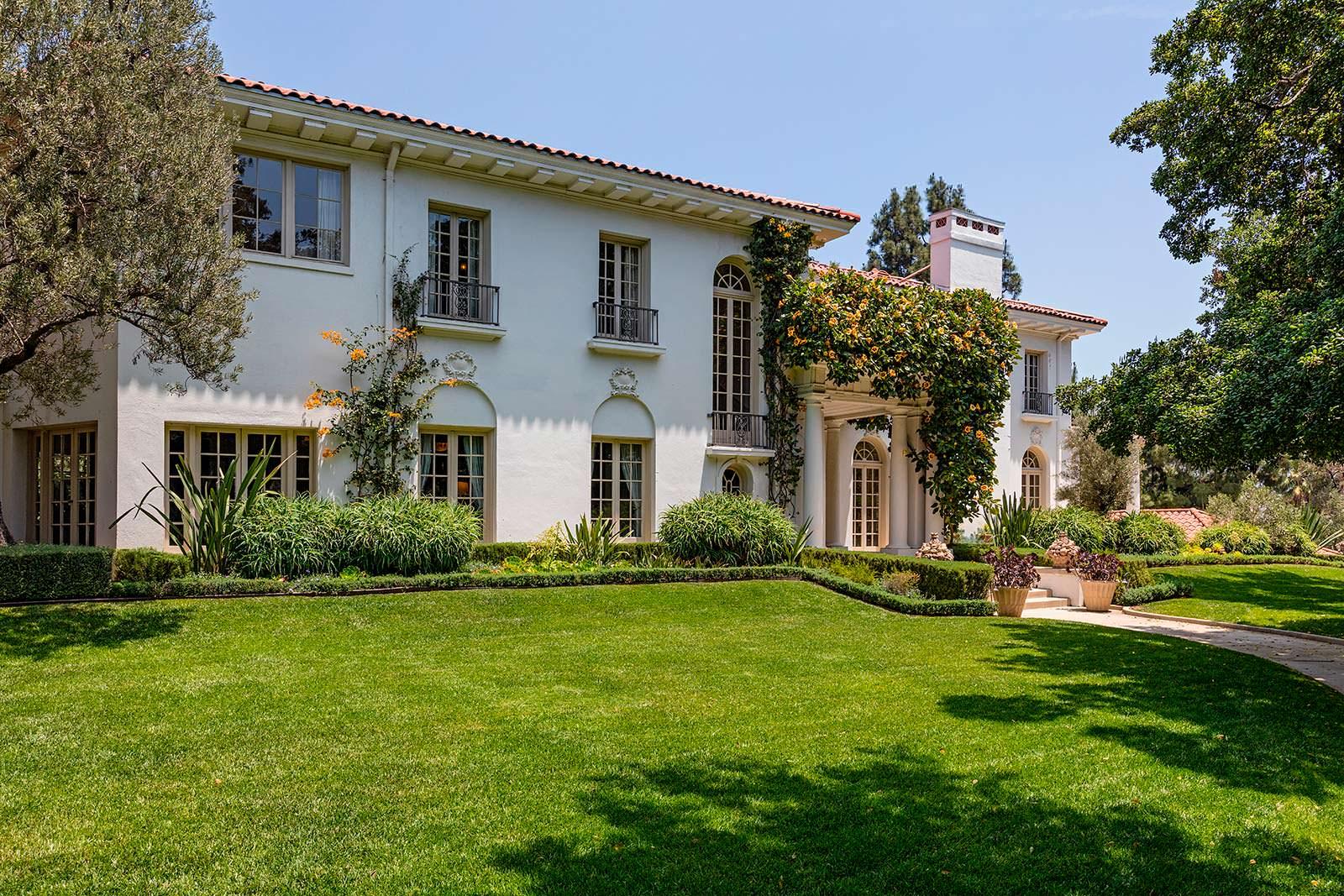 Дом в котором сейчас живет Анджелина Джоли с детьми