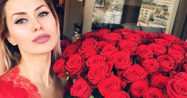 Виктория Боня повасталась огромным букетом от возлюбленного