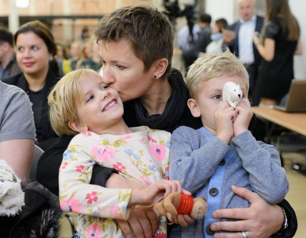 Арбенина с детьми
