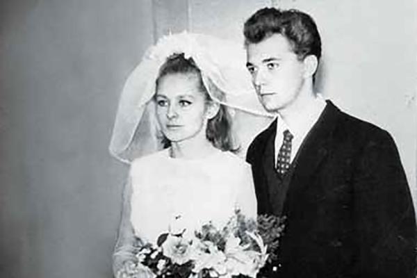 С первым мужем Геннадием Чертовым