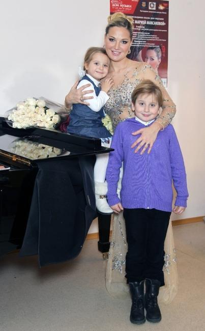 Мария Максакова с детьми от первго брака