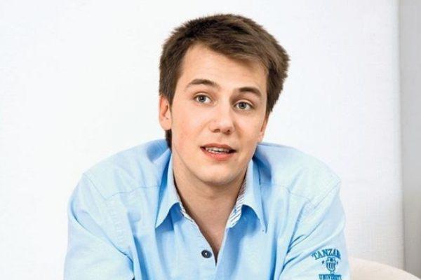 И. Жидков часто принимает участие в театральных постановках