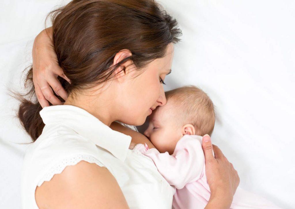 Питание кормящей мамы в первый месяц после родов: примерное меню