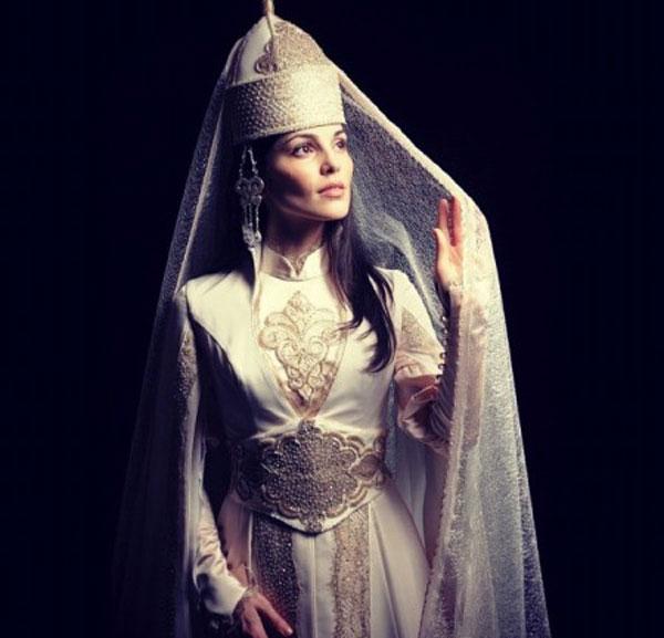 Национальный свадебный наряд Сати Казановой