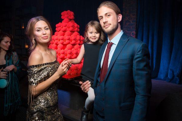 Семейное фото Виктории Бони