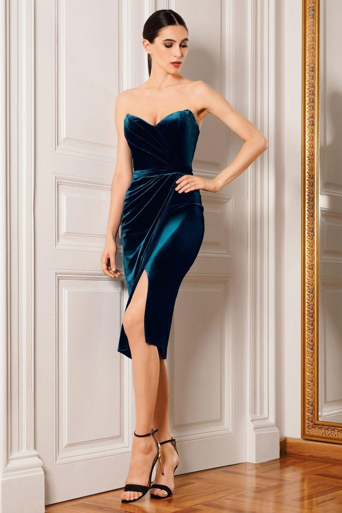 Платье - футляр эффектный выбор для празднования нового года