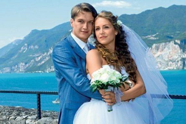 Анатолий с женой Еленой Дудиной