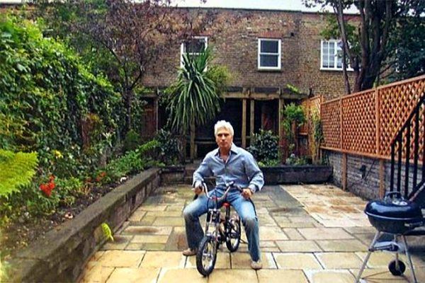 Оперный певец скончался во дворе своего дома в Лондоне