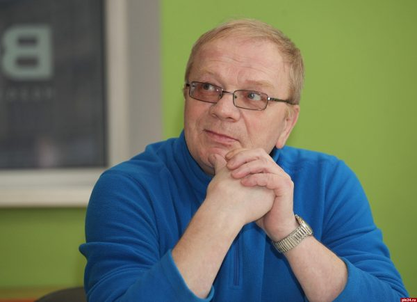 На фото Николай Годовиков