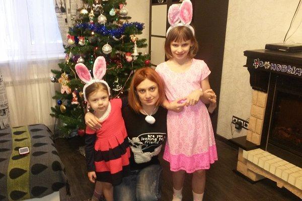 Актриса с дочерьми