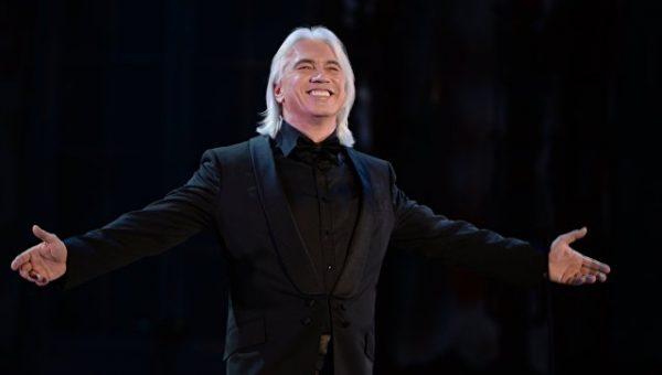 Дмитрий Хворостовский на сцене оперного Мариинского театра