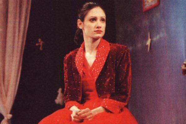 Дочь известного актера Карина Мишулина
