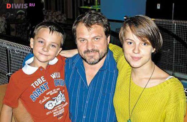 Андрей Биланов с детьми