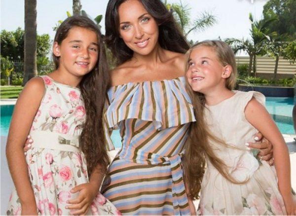 Алсу со своими дочерьми