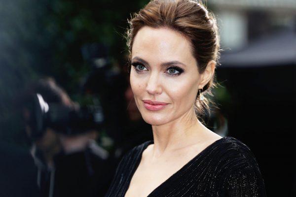 Анджелина Джоли готовится к свадьбе: последние новости, фото