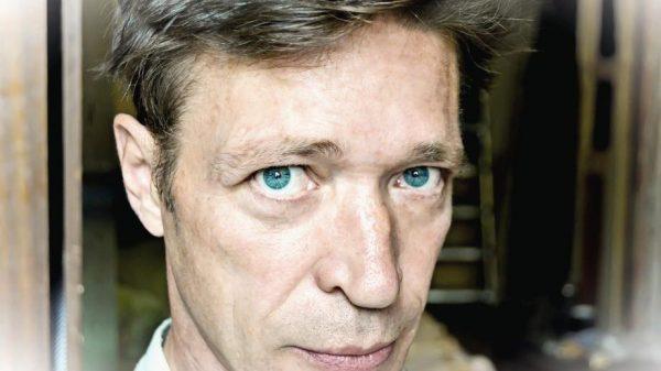 На фото актер Сергей Салеев