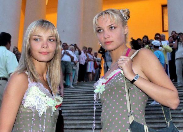 Ольга и Татьяна Арнтгольц в начале карьеры