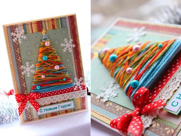 Новогодняя открытка с использованием ниток и другого декора