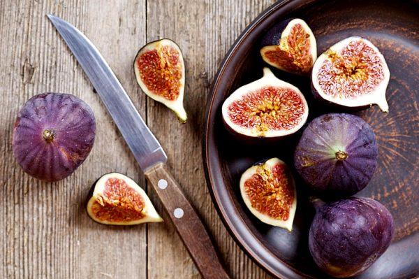 Этот фрукт очень полезен при беременности