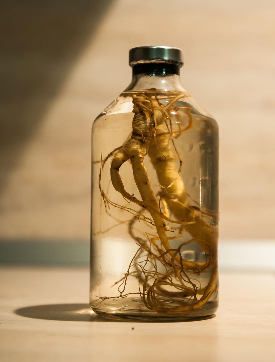 Спиртовая настойка корней женьшеня сильное лекарственное средство
