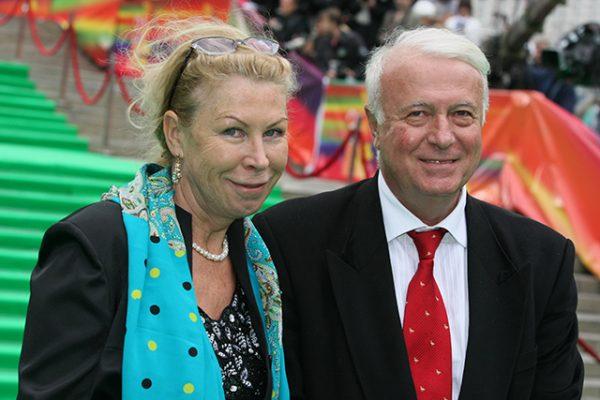Известный телеведущий со своей женой Татьяной