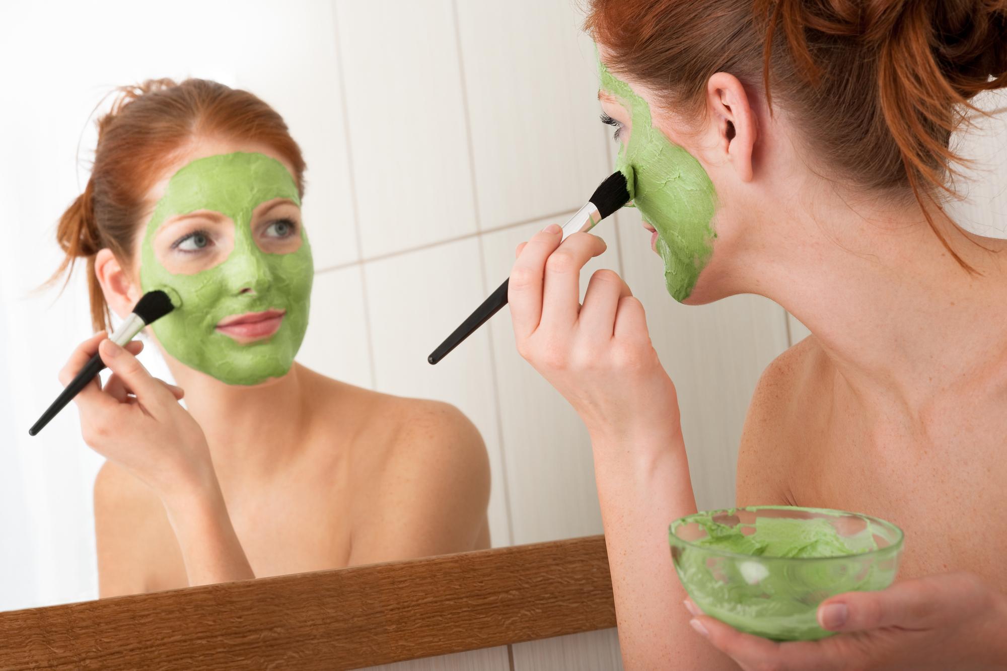 Маска из киндзы и любого кисломолочнго продукта - отличное средство по уходу за кожей лица