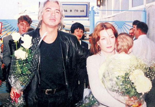 Дмитрий Хворостовский в первой женой Светланой и ее дочерью от первого брака