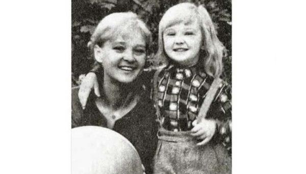 Со своей матерью Людмилой Гурченко