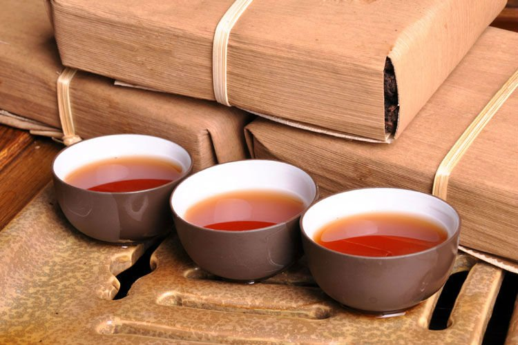 Заваривать пуэр в чайнике
