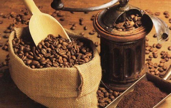 Специалисты рекомендуют пить только натуральный кофе в зернах