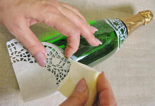 Декорирование бутылки салфетками