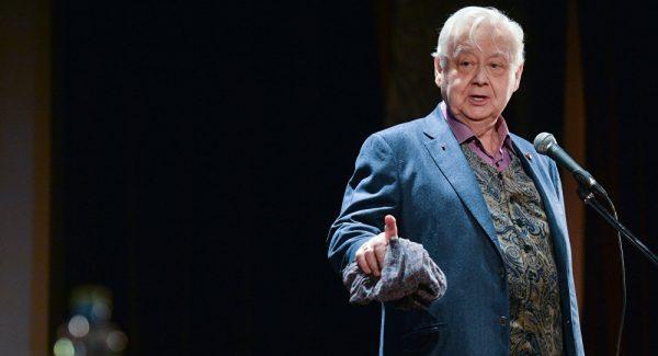 Олег Павлович Табаков в последнее время руководил двумя театрами