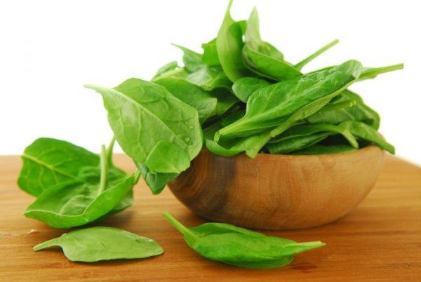 В шпинате содержится большое количество аминокислот