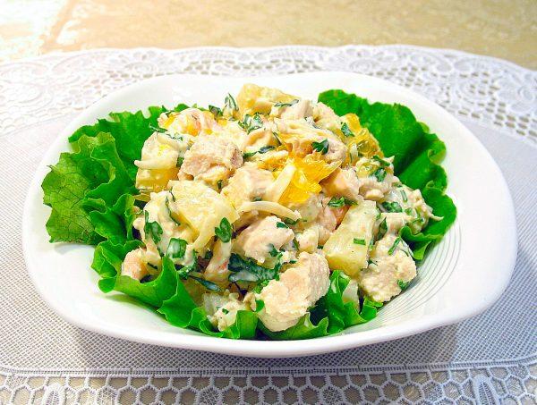Салат из куриной грудки с пекинской капустой