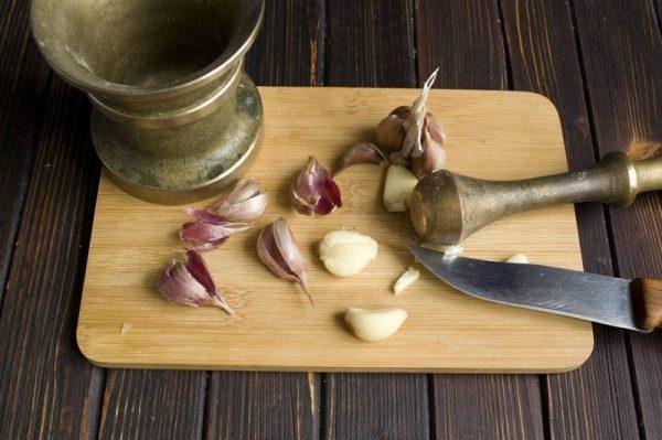 Тибетский рецепт чесночной настойки для чистки сосудов