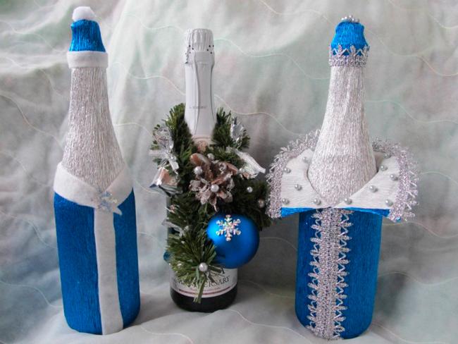 Костюм на Новый год на бутылку