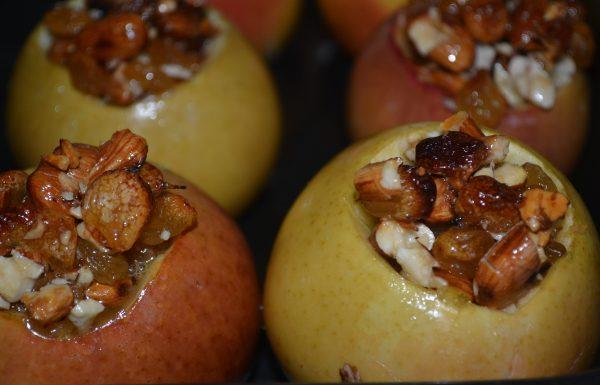 Фаршированные печеные яблоки